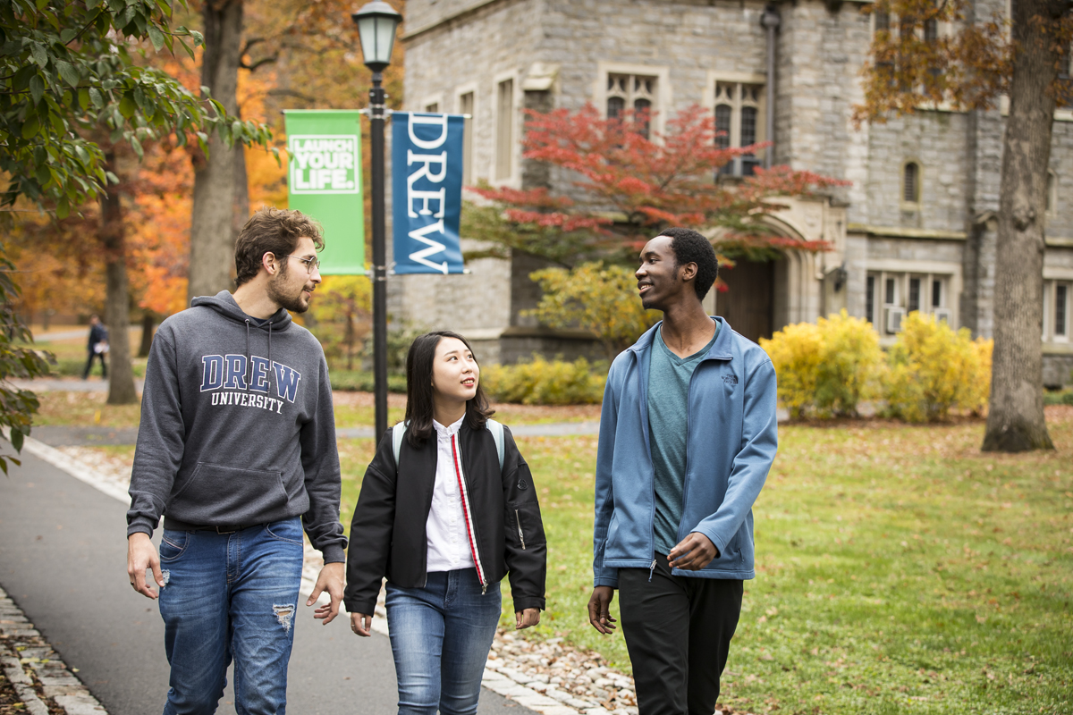 LD_102919_INTO_Students_Fall_Campus_0671